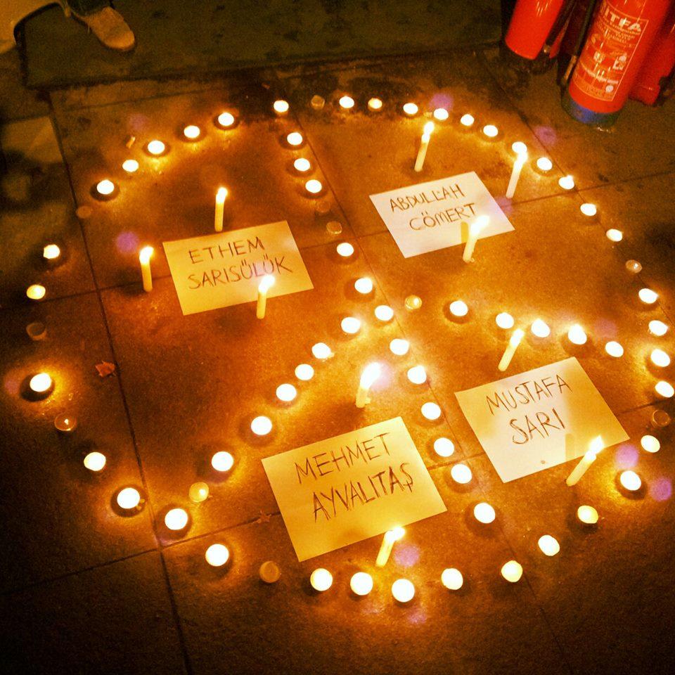 Gezi Parkı Eylemleri'nde hayatını kaybeden gençler için Gezi Parkı'nda  mumlar yakılmıştı...