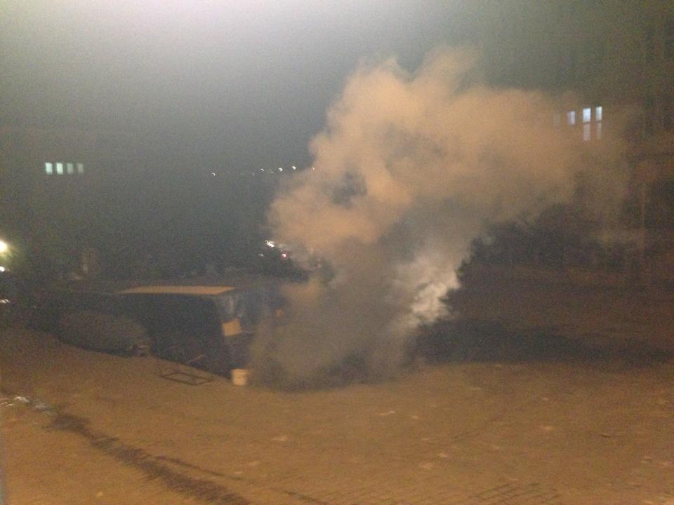 Polisin devlet hastanesinin kapısına attığı gazdan etkilenen hastalar rahatsızlandı