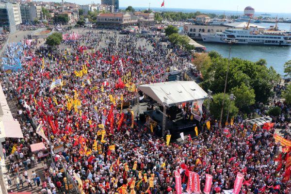 Binlerce kişinin katıldığı mitingde AKP'ye öfke vardı