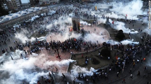15 Haziran 2013 Taksim – Gezi Parkı'na Polis Saldırısı