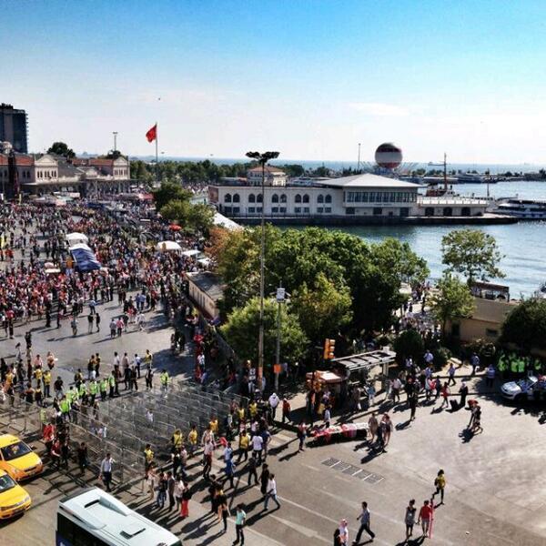 An itibariyle Kadıköy Meydanı... Foto: @KrtgluSule