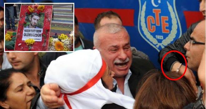Hasan Ferit Gedik'in babası elleri kelepçeli getirildi. Oğluna sarılamadı...