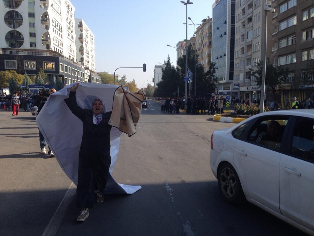 Erdoğan'ı tek başına protesto eden Medeni Yıldırım'ın annesi...