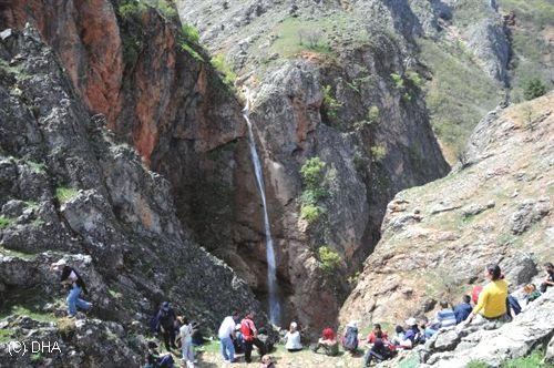 Rabat vadisi doğal güzellikleriyle doğa severlerin ilgisini çekiyor