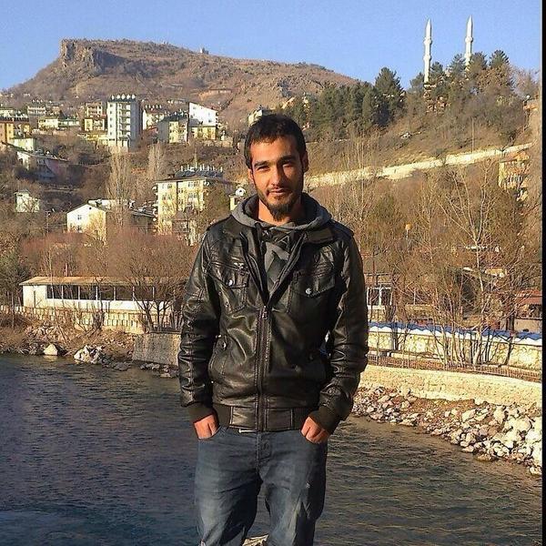 Hıdır Ali Genç, üniversite harçlığını çıkarmak için yaz tatilinde inşaatta çalışıyordu.