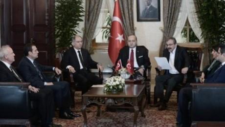 Çözüm Süreci'nde Ortak Açıklama: Öcalan'dan PKK'ye Silah Bırakma Çağrısı