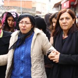 Özgecan'ın Annesi: Kızımın Tek Suçu Dolmuşa Binip Eve Gelmek mi!