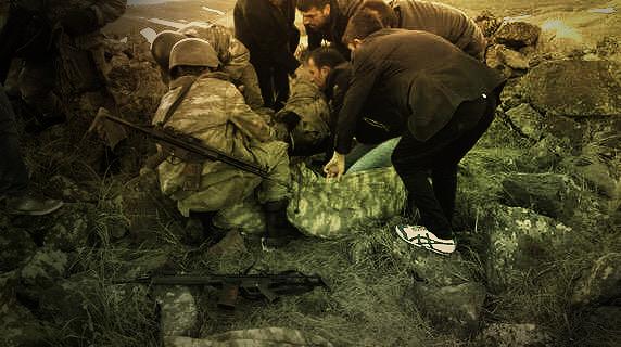 Ağrı / Diyadin'de devlete yönelik 'provokasyon' suçlamalarına neden olan çatışmada yaralanan askerlere halk yardım etti,