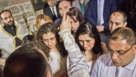 İstanbul'da 12 Dersimli Hıristiyan Oldu