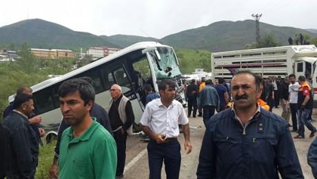 Şeriatçı Altan Tan: Kuran'ı Götür İzmirlilere Göster