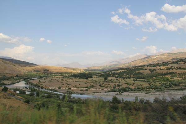 Kemah Barajı nedeniyle onlarca Alevi köyü baraj altında kalacak.