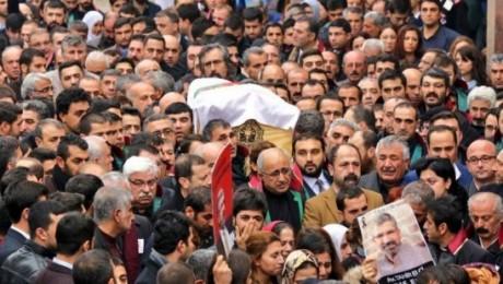 Tahir Elçi'nin cenazesi törenle toprağa verildi
