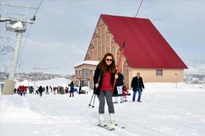 Ovacık'ta kayak keyfi