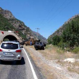 İçişleri Bakanı Soylu, Pülümür Vadisi'ni araçla geçti